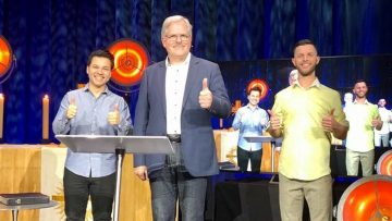 Gottesdienst am Sonntag mit Predigt vom neuen 3er-Team